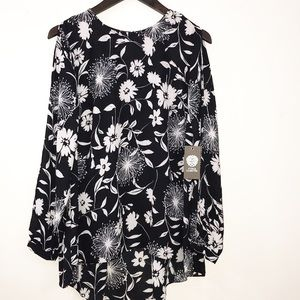 Vince Camuto Black and White Open sleeve Blouse S